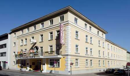 Find low rates and reserve youth hostels in Salzburg